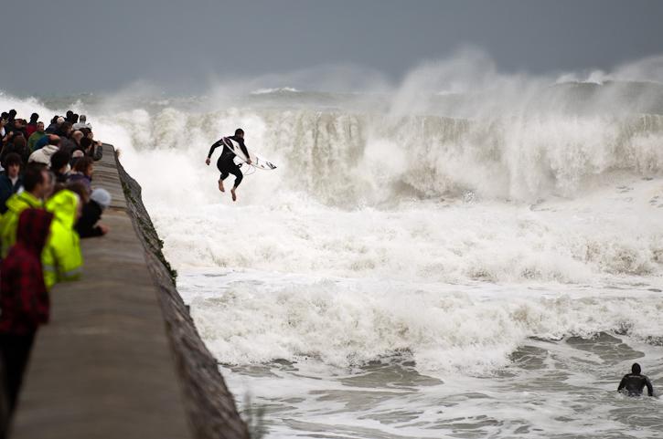 Surfista valiente